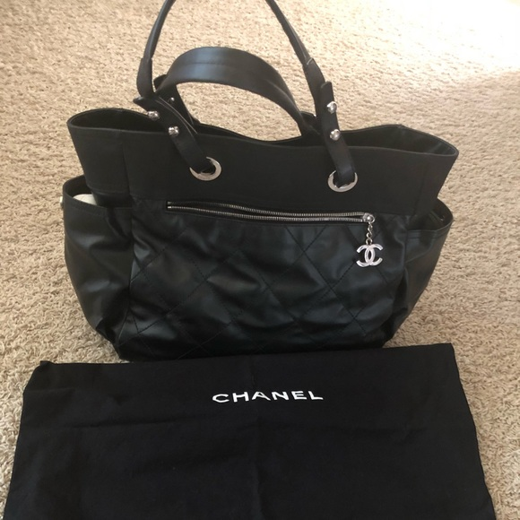 be16d9e1d902 CHANEL Handbags - Chanel Biarritz Black Leather & Canvas Tote